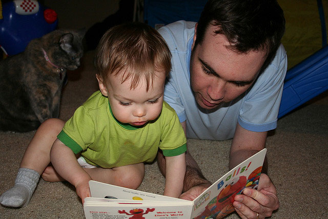 Father-Reading-to-Toddler